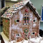 Christmas-Gingerbread-Custom-Barn