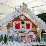 Lighted-Christmas-ginger-bread-house