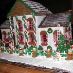Minnesota-santas-green-gingerbread-cottage-house