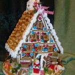 Quiet-small-gingerbread-house