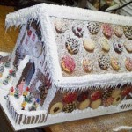 Seven-Dwarfs-Christmas-gingerbread-house
