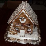 Silver-steak-chocolate-kiss-roof-eatable-Christmas-gingerbread-home